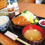 あかずきん - 料理写真:とんかつ定食(ロース)