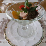 15026393 - オードブルは、ワインでマリネしたサーモンと野菜のカクテル