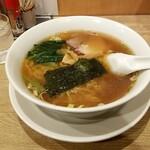 中華洋食食堂 あゆた - ラーメン:600円