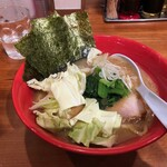圭一屋 - 料理写真:ヤバイラーメン(中)
