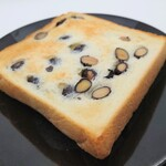 150274567 - 塩黒豆食パン② トーストしました