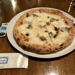150274968 - 2021.2.17  4種のチーズピッツァ