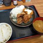 まぐろユッケ丼と定食 三崎屋 - 料理写真: