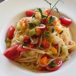 ブレッツァ - 野菜いろいろのペペロンチーノ
