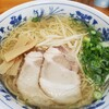 麺鯉 - 料理写真:塩ラーメン(中)  ¥550-