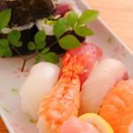 先生 - 寿司盛り合せ(巻物・握り)