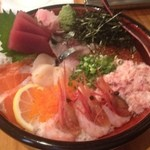 はやし水産 - 海鮮丼(大盛)1000円 鮪、サーモン、ホタテ、イクラ、カニ身、甘エビ、サバが盛られてました…