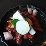 焼肉 水本 - 料理写真:ハラミ盛り盛りランチ(ハラミ、ソーセージ、茄子、ピーマン、カボチャ、エリンギ、牛脂)