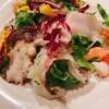 ビストロ うお座 - 料理写真:カルパッチョが乗ったサラダ