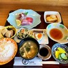みち潮 - 料理写真:みち潮定食 1050円税込  写りきりませんが 横に天ぷら盛り合わせあります^ ^
