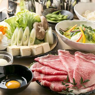 黒毛和牛のとろける味わいを鍋で『和牛すき焼きコース』全7品