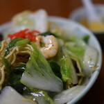 150314039 - 海老揚げ焼きそば(¥730税込み)スープつきます