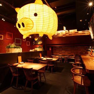 豚の提灯がお出迎え‼︎ロフトも御座います‼︎