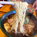 高砂中華そば - 高山の麺 低加水サクサク縮れ中細麺