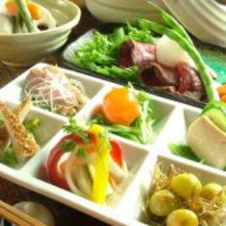 お料理コースとご一緒にどうぞ!ご宴会に最適☆飲み放題コースございます。