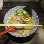 中華そば 糸 - 丼のサイズ感