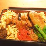新宿 今井屋本店 - 比内地鶏焼きとり重