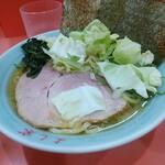 ラーメン よし家 - 料理写真:ラーメン770円