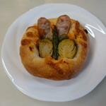 広島アンデルセン - 春野菜とソーセージのフォカッチャ(388円)