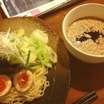 Daining Bar 海 - 辛さ自由の広島つけ麺。今夜は10辛で。飲んだ後の〆にはさいこうです。