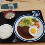 峠の坊ったん - 料理写真:ハンバーグ定食(デミグラスソース)