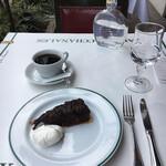 150348839 - タルトタタンとコーヒー