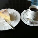 ラビットウエディング - ケーキセット(チーズケーキ)