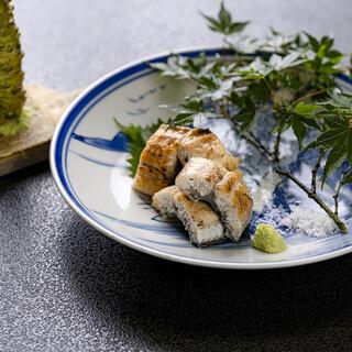 【夏のオススメ】琵琶湖の天然うなぎの白焼き…4900円