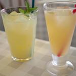 パスタ・エ・カフェ・シオサイ - 本日のジュース、りんごジュース