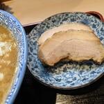 らー麺土俵 鶴嶺峰 - 眠りチャーシュー(2枚)