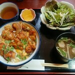 浜の味のひら - 料理写真:から揚げ卵とじ丼¥870-