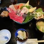 旬菜魚 いなだ - 特上 海鮮丼(大盛)