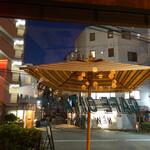 CAFE GITANE - 静かな通りで夜カフェに最適