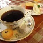 HARRY - ブレンドコーヒー¥370