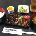 脇田屋 - 脇田屋特製ハーフ&ハーフ皿定食