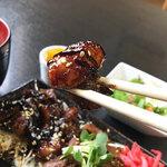 脇田屋 - このプニプニ食感のホルモン。特製味噌ダレが絡まって美味いんです!