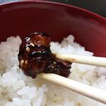脇田屋 - 白飯にバウンドさせて頂きましょう。ご飯が進む〜♪