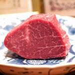 神楽坂 鉄板焼 中むら - 上田牧場産但馬玄神戸牛のステーキ肉