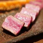 神楽坂 鉄板焼 中むら - 上田牧場産但馬玄神戸牛のステーキ