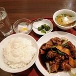 中華料理 華景園 - 黒酢酢豚定食 ¥750 税込です\(^o^)/