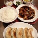 中華料理 華景園 - ほらぁ~ ほんとに大きいんだって!