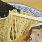 中華そば 笑歩 - しっかりしたコシのある麺