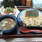麺 徳次郎 - 徳次郎ラーメン+チャーシュー丼のラーメンをつけ麺に変更で700円