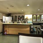 インデアンレストラン  ニューミラ - キッチン方向