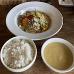 中華バルSAISAI。 - メイン、ごはん、スープ