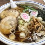 150447114 - 大盛りラーメン・手打ち麺