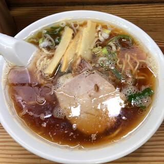幸来 - 料理写真:醤油ラーメン 700円