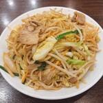 150462408 - 焼きそば(成喜特製太麺)。