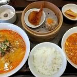 sapporosaifuujin - よくばりランチセット(海老と玉子のチリソース煮と濃厚胡麻みそ担々麵)