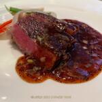 150467809 - 和牛肉のステーキ中国黒豆ワインソース